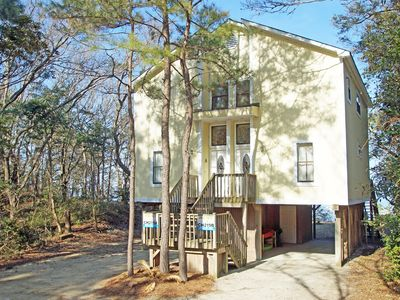Photo for SOUND-FRONT! 2 BEDROOMS, BEAUTIFUL SOUND VIEWS, 2 KAYAKS, WiFi & PRIVATE PIER