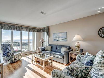 Photo for Oceanfront unit in Low-rise building + FREE DAILY ACTIVITIES