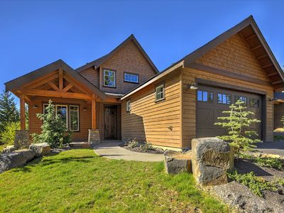 Photo for Retreat and relax at this this gorgeous cabin.  Great for families with kids!