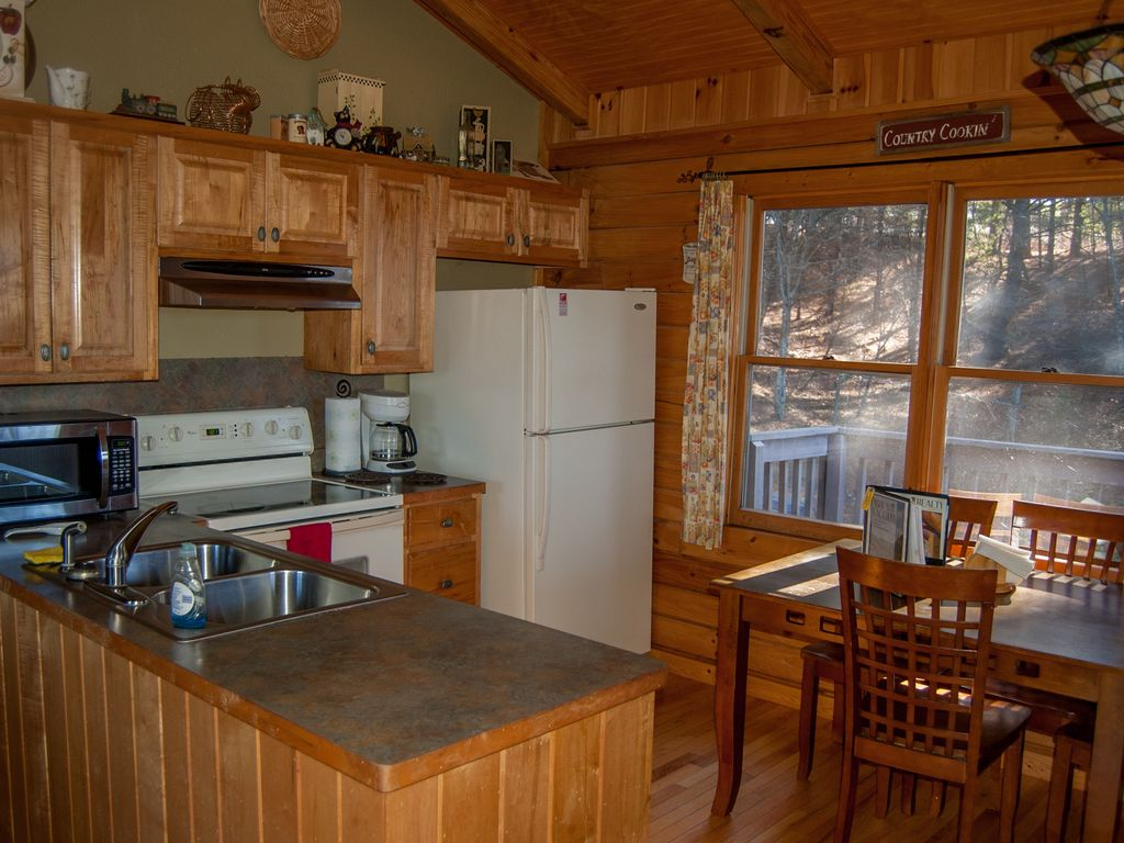 cabins the blue luxury in private north ridge s cabin property mountains deal conservation views area tub home hot rentals with yards ha and mountain from beach image bed