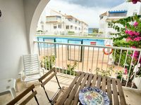 Excellent appartment with clean and simple furnishings. Easy access to all local facilities.