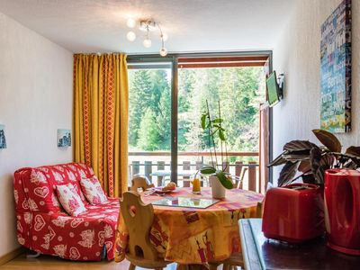 Photo for Surface area : about 57 m². Orientation : South. View mountain. Living room with 2 beds