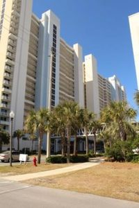 Photo for Perfect Family Condo Right on the Beach!