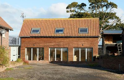 Keeper's Lodge is a newly converted cottage situated on a peaceful rural small-holding