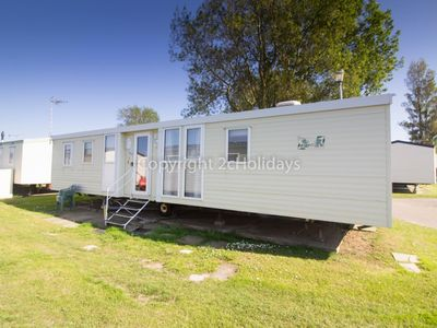Photo for 8 berth caravan for hire at California cliffs in Norfolk