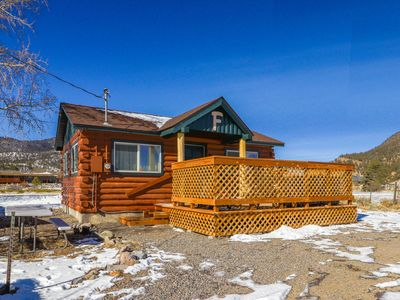 Photo for Lovely log cabin with private hot tub & deck - dogs, hikers & skiers welcome!