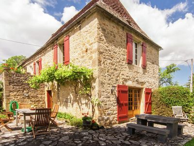 Photo for Spacious Farmhouse with private garden in Saint-Cybranet