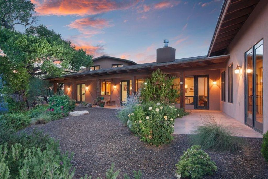 Ranch house retreat by the river south of vrbo - What is a ranch house ...