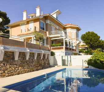 Photo for Exceptional sea view, 130m2, 3 bedrooms, large terrace of 30m2, swimming pool