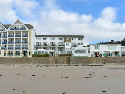 Photo for 1 bedroom accommodation in St Brelades Bay