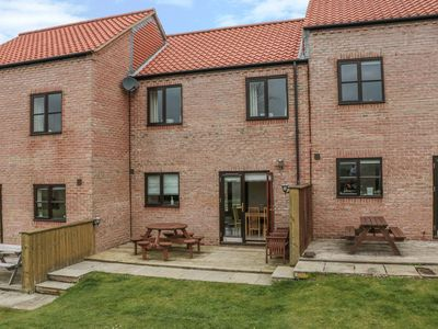 Photo for WADDLEDUCK, pet friendly, with a garden in Whitby, Ref 11492