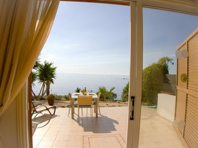 Beach Front Azura Sunrise (Coral Bay) -  Luxury Beach Front Villa with Panoramic Views of the Sea, Car not Necessary