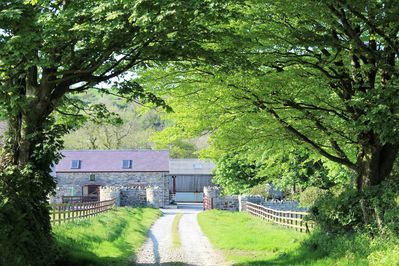 Y Cartws holiday cottage view as you drive down the farm lane.