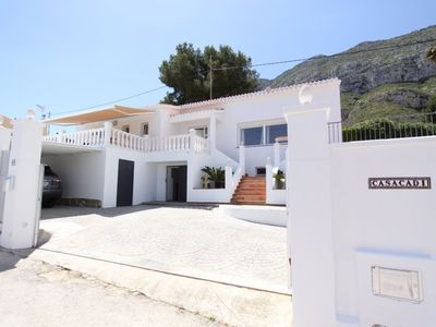 Photo for VILLA CASACADI – Superb villa see & mountain views, 2km beach  MONTGO