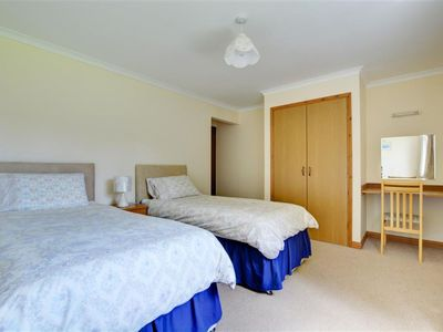 Photo for Cosy apartment for 4 people with WIFI, TV, balcony, pets allowed and parking