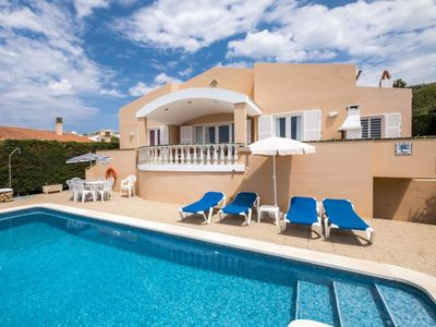 Photo for 4 bedroom Villa, sleeps 8 in Alaior with Pool, Air Con and WiFi