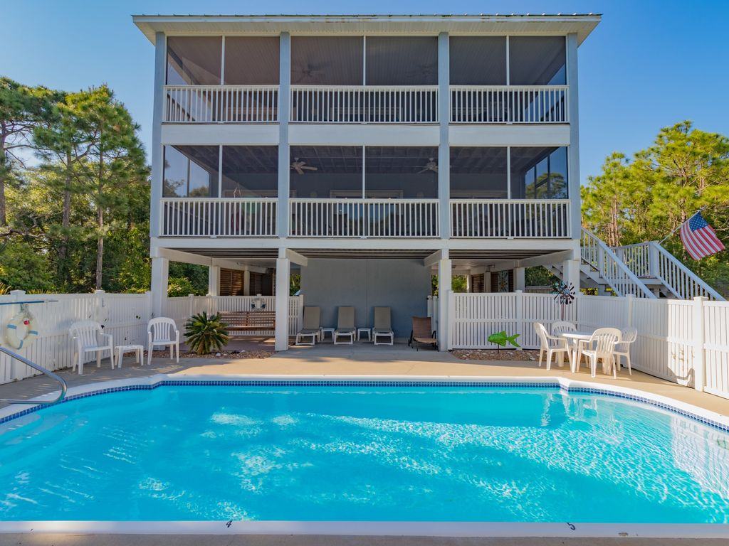 Happy Ours, 3BR/3BA, Private Swimming Pool, Easy Walk to Beach ...