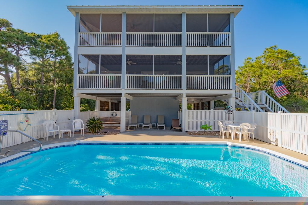 Happy Ours, 3BR/3BA, Private Swimming Pool, Easy Walk to Beach & Clubhouse!  - Plantation