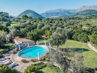 Photo for Luxurious country house in Pollensa for 12 people with heated pool