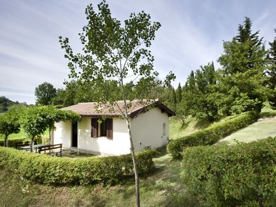 Photo for Lovely Cottage with Pool in the heart of Tuscany