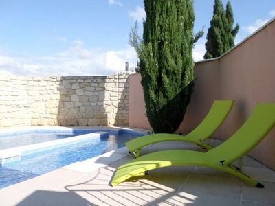Photo for Charming detached house, stunning views of Mount Ventoux with pool