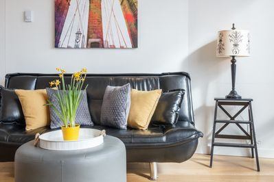 Chic styling and comfortable studio in the heart of downtown!
