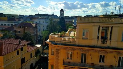 Photo for 600 m from the center of Rome with Internet, Lift, Washing machine (364718)