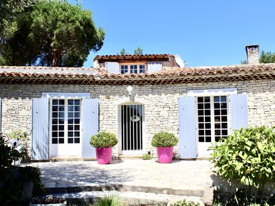Photo for LARGE AIR CONDITIONED VILLA, 5 BEDROOMS, 10 BEDS, PRIVATE POOL, PETANQUE