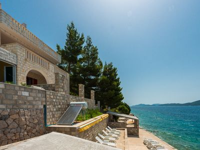Photo for Elegant 2 Bedroom Apartment with Sea-view