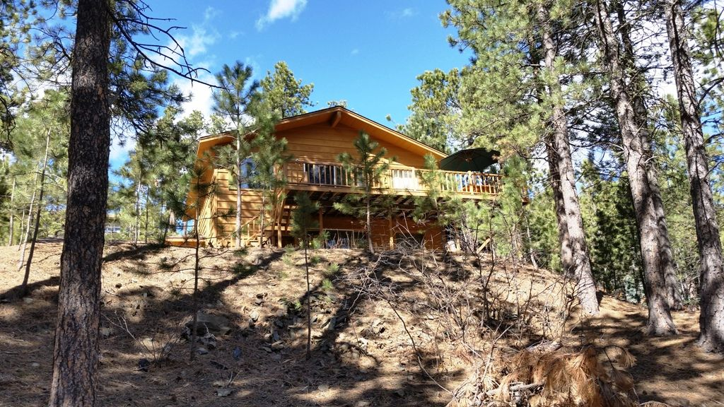 Black hills great central location away from the crowds for Pactola lake cabins