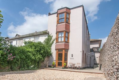 Sovereign, Ground floor apartment in the seaside town of Seaton.