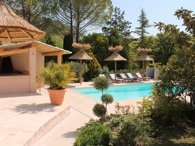 Photo for Provencal property on one level with heated pool and sauna