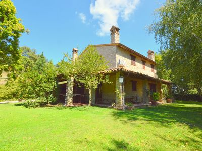 Photo for Beautiful villa with private pool located in the hills between Todi and Orvieto