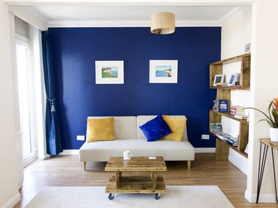 Photo for Beautiful one bedroom apartment less than a minute walk to the beach in Seaford