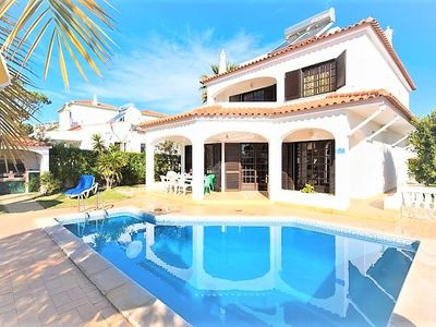 Photo for 4 Bedroom villa with pool in Vilamoura near Old Village