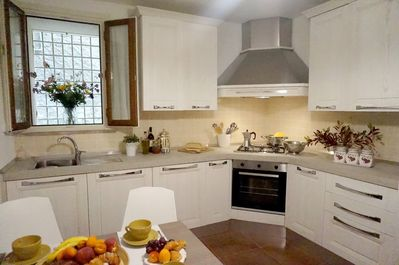 the perfect kitchen for preparing Tuscan meals at home