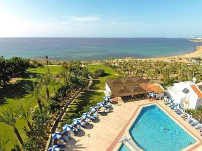 Photo for Apartments Helios Bay Hotel, Paphos  in Um Paphos - 6 persons, 2 bedrooms