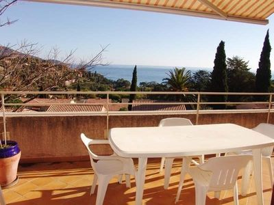 Photo for Apartment Le Lavandou, 2 bedrooms, 6 persons