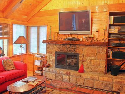 Photo for Large Sugar Mountain Condo with a Cabins Heart