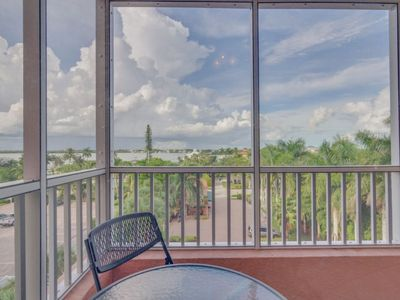 Photo for Bay View Efficiency on Fort Myers Beach/Estero Island- Unit 404