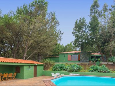 Photo for Holiday cottage with private pool in Caideros
