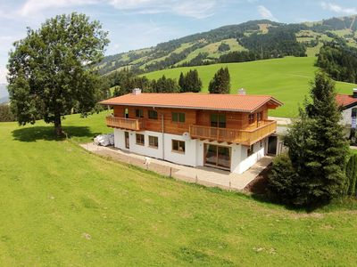 Photo for Spacious holiday home, directly by the Skiwelt piste!