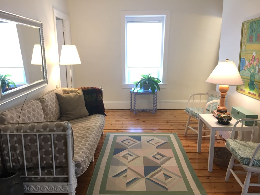 Blue Cottage 2 Bedroom Apartment In Historic District Providence Rhode Island Rentbyowner