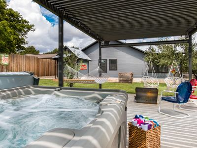 Photo for Mariposa,  3/2 home with amazing outdoor area and hot tub, close to wineries!