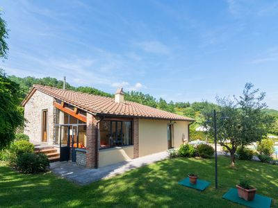 Photo for Beautiful detached villa north of Florence