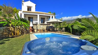 Photo for Luxury Villa With Central A/c, Private Swimming Pool, Hot Tub Jacuzzi.