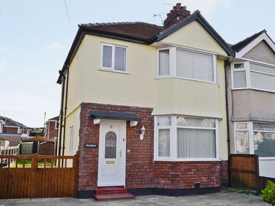Photo for 3 bedroom property in Llandudno. Pet friendly.