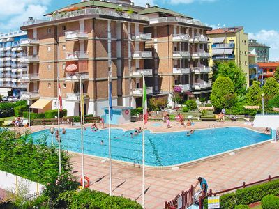 Photo for One bedroom Apartment, sleeps 4 in Lido di Jesolo with Air Con and WiFi