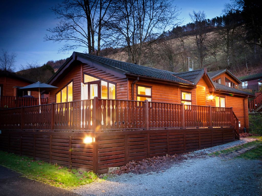 Scandinavian style log cabin with private hot tub for Log cabin with hot tub one night stay