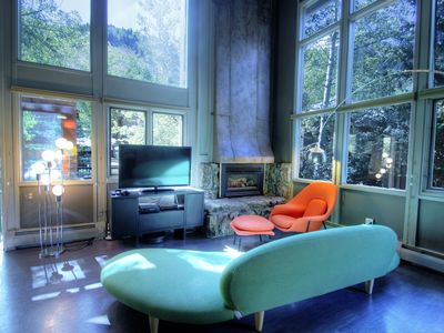 Photo for Stylish Modern Mountin Views in Downtown Aspen w/Free Wifi and Hot Tub Great Location!